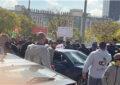 العاملون في الأندية الرياضية يعتصمون للمطالبة بتعويضهم